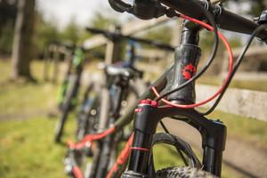 Vélos d'enfants neufs versus d'occasion